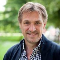 Professor Paul van Lange